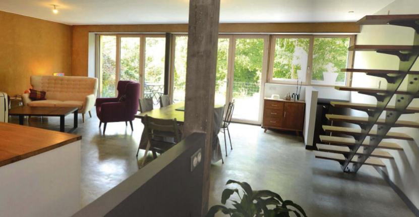 maison architecte économe énergie grise matériaux bruts