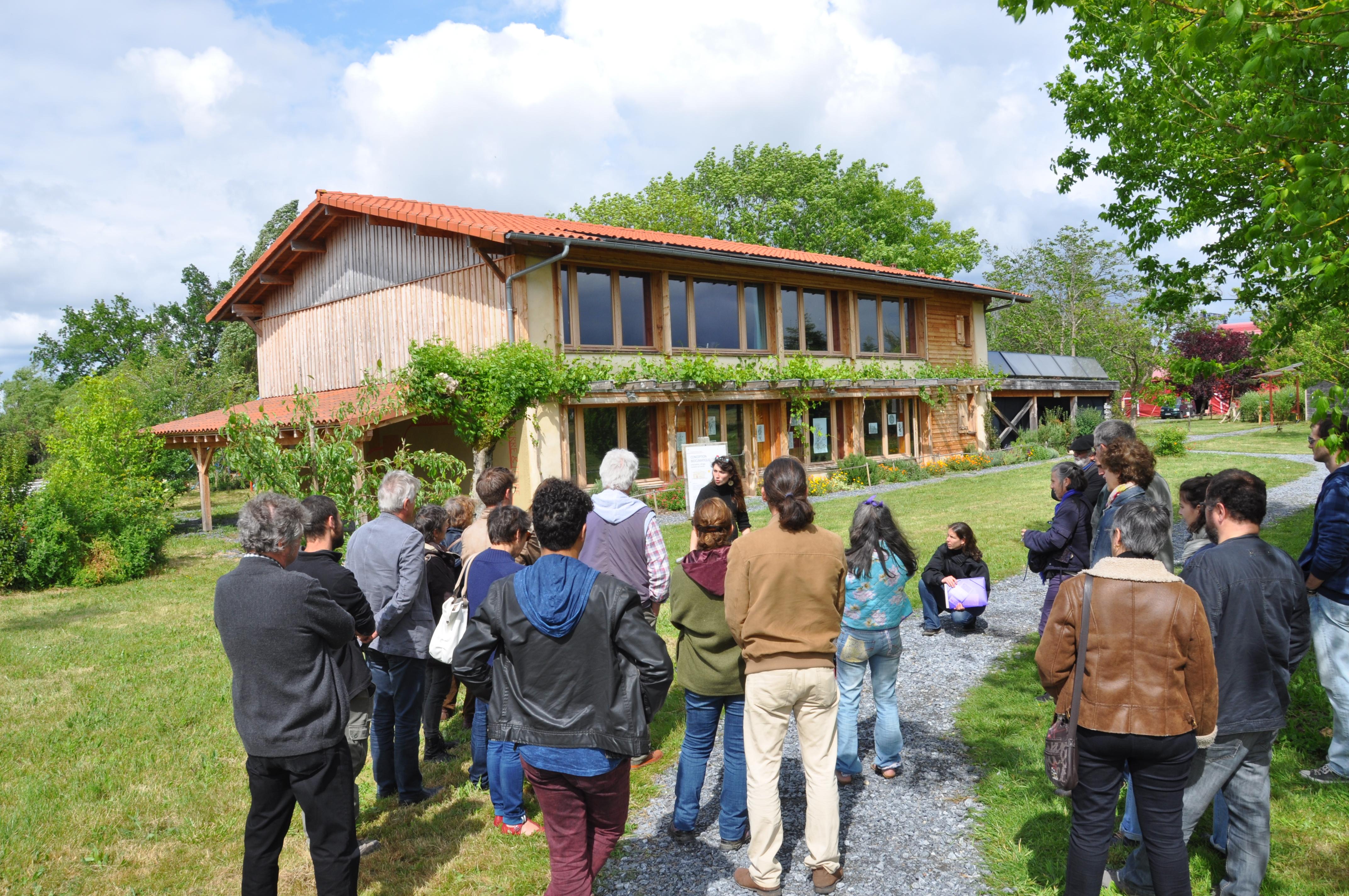 Visite de l'écocentre Pierre et Terre, dans le Gers. crédit Gwendal Le Ménahèze