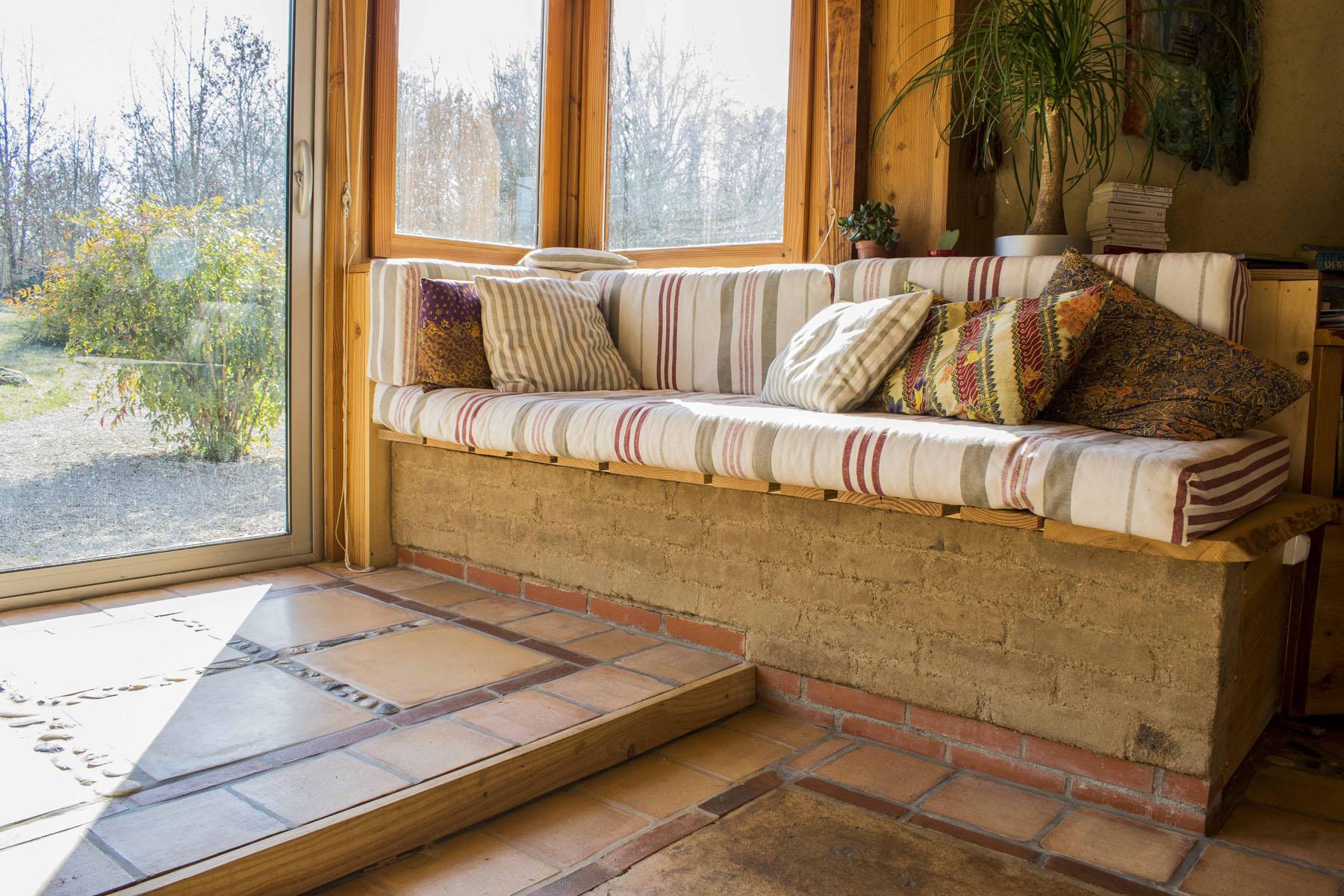 autoconstruire un octogone autonome la maison cologique. Black Bedroom Furniture Sets. Home Design Ideas