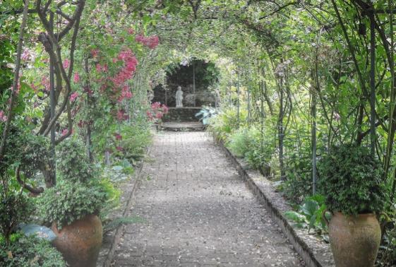 arches tonnelles pergolas fleurs cascades