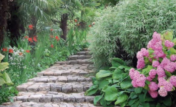 escaliers voies passages matériaux locaux
