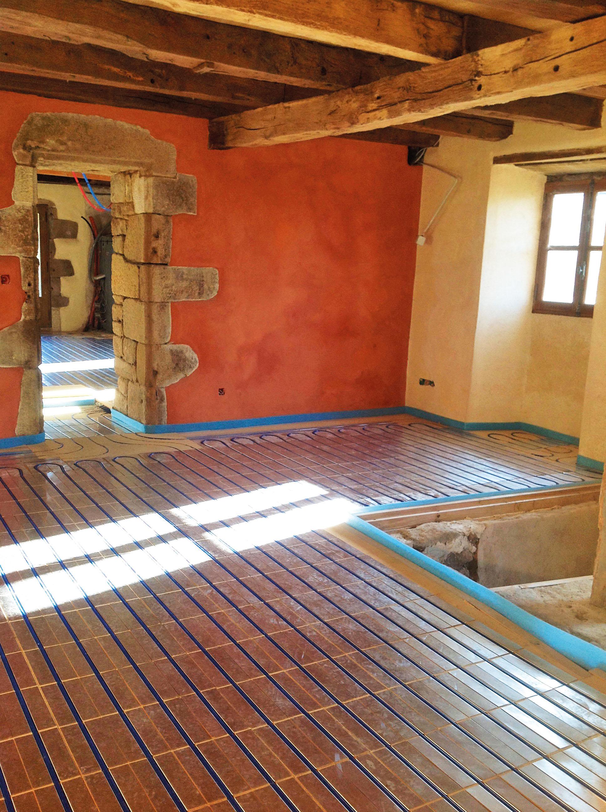 avis d 39 expert le plancher chauffant la maison cologique. Black Bedroom Furniture Sets. Home Design Ideas