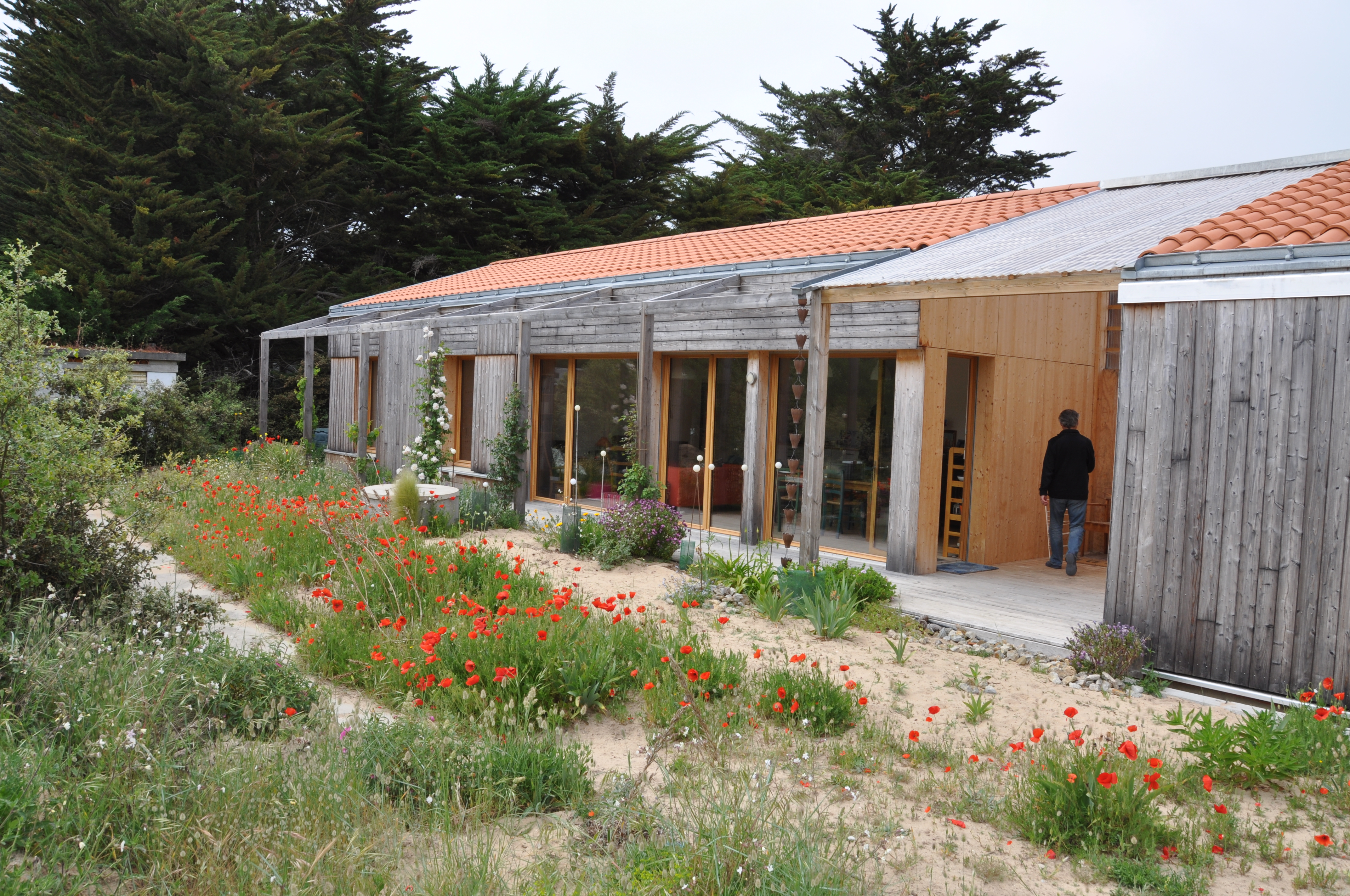 En Vendée, cette maison en bois conjugue le feng shui au passif. crédit Gwendal Le Ménahèze