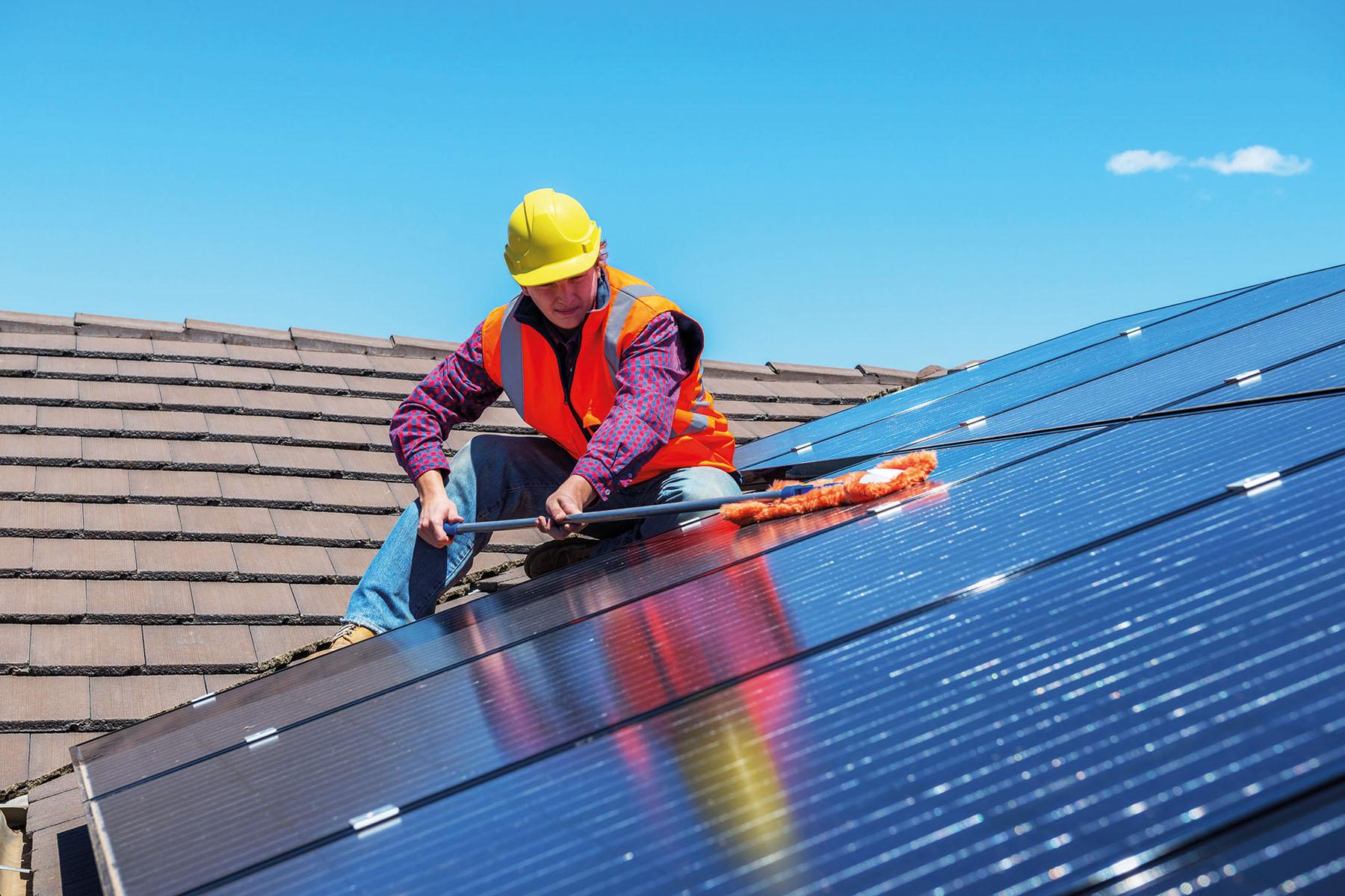 nettoyage de panneaux solaires