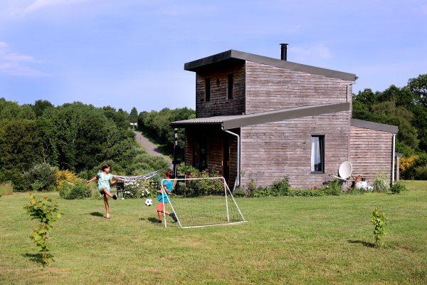 Maison en autonomie énergétique en Bretagne. Crédit Michel Ogier